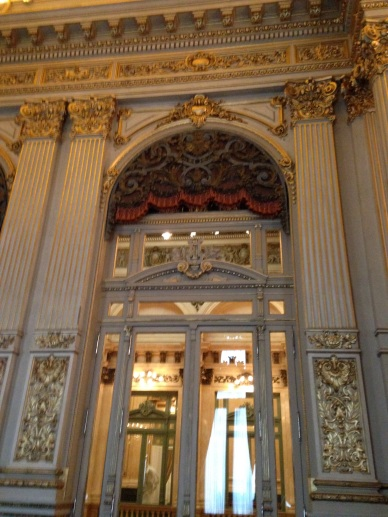 Ingreso salón dorado